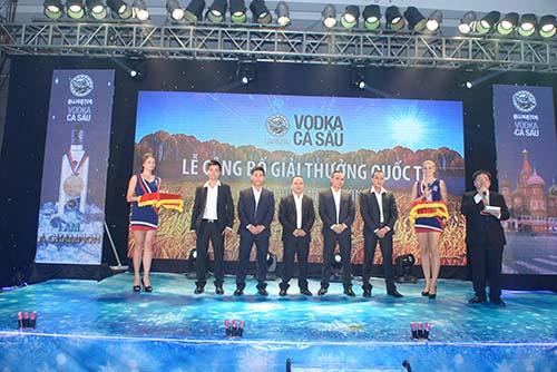 Giải-thưởng-Vodka-alligator
