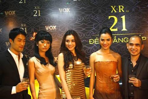 dàn sao Việt giới thiệu Johnnie Walker XR 21