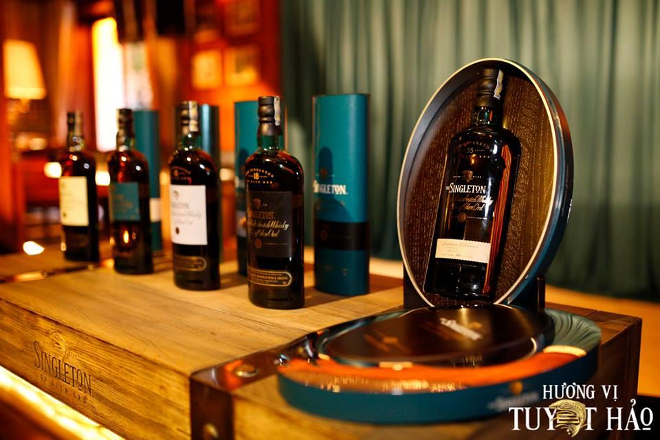 trưng bày rượu singleton